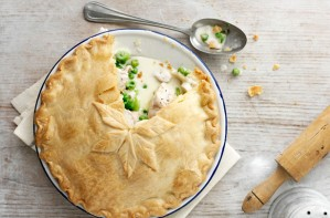 Creamy chicken plate pie
