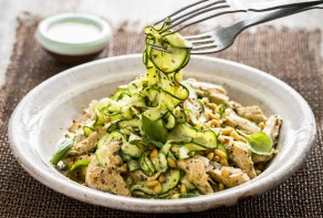 pesto chicken courgetti