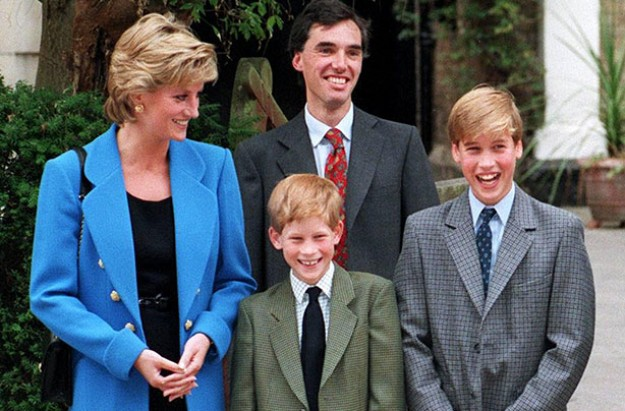 Why Queen Elizabeth Didn't Publicly Mourn Princess Diana's Death