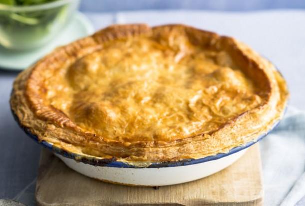 Chestnut bourgignon pie