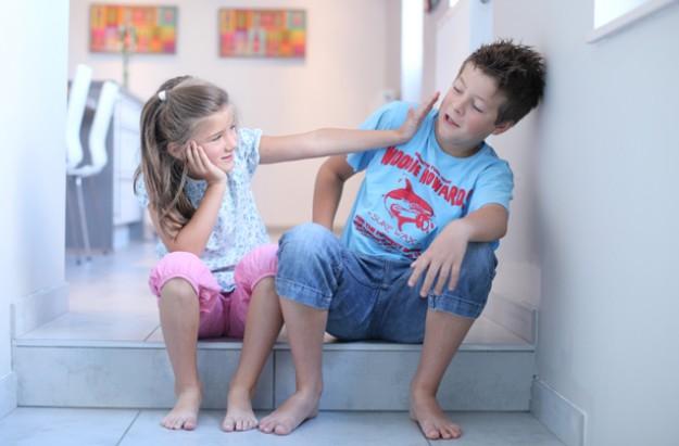 children fighting siblings arguing squabbling