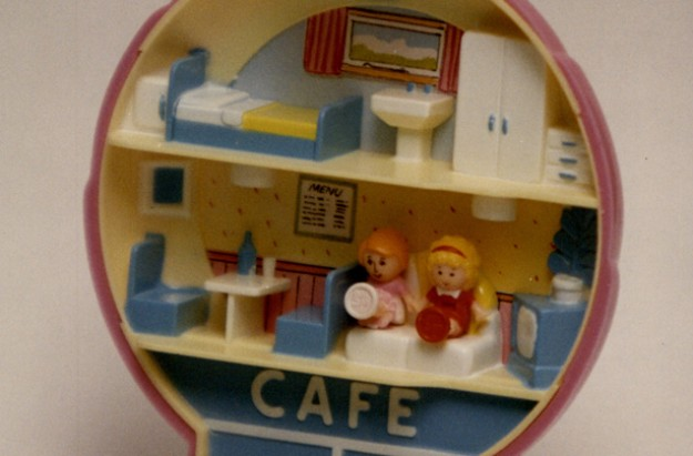 90s Polly Pocket toy