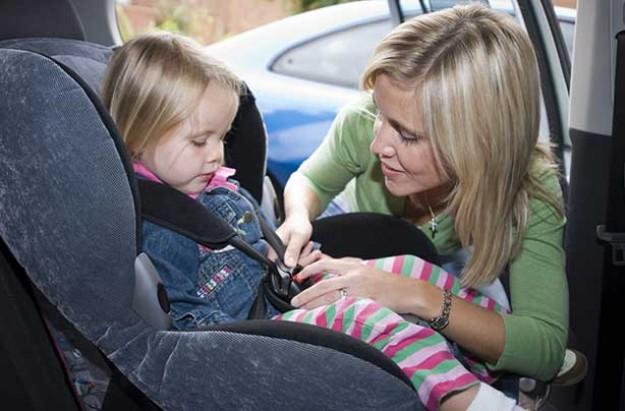 Mum and child in car