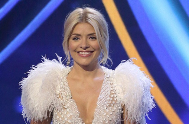 holly wiilloughby dancing on ice